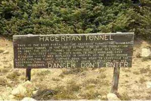 Hagerman Tunnel Sign